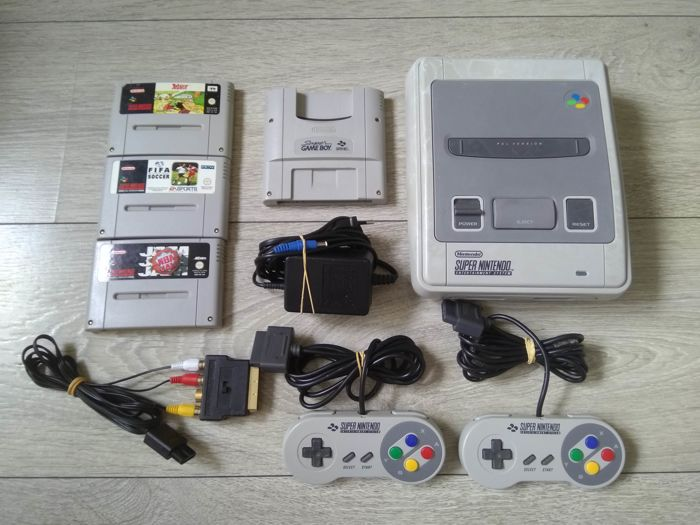 Nintendo SNES console - with 2 controllers, cables, Super Game boy and 3 games - Asterix, FIFA Soccer, NBA Jam