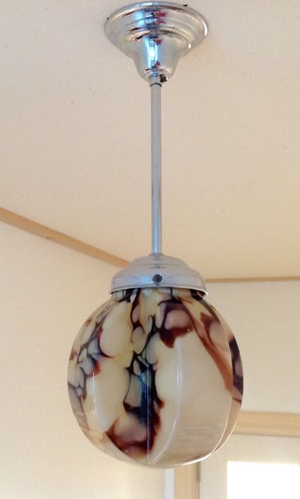 A marbled Art Deco style lamp from the 1920s