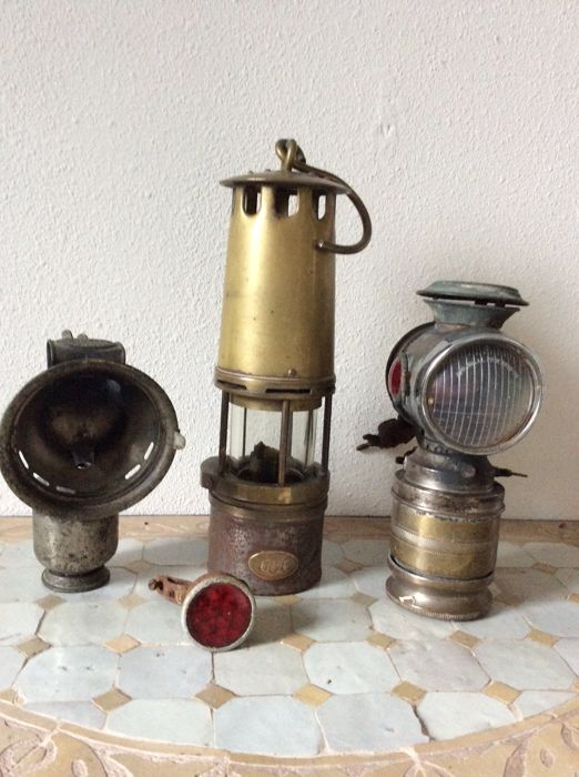 """Old mine/train/boat/lamp """"686"""" and two old Carbide lamps on bicycle/motorcycle lamps - vintage brand """"Detectiv"""" and """"Radium""""-early 20th century."""