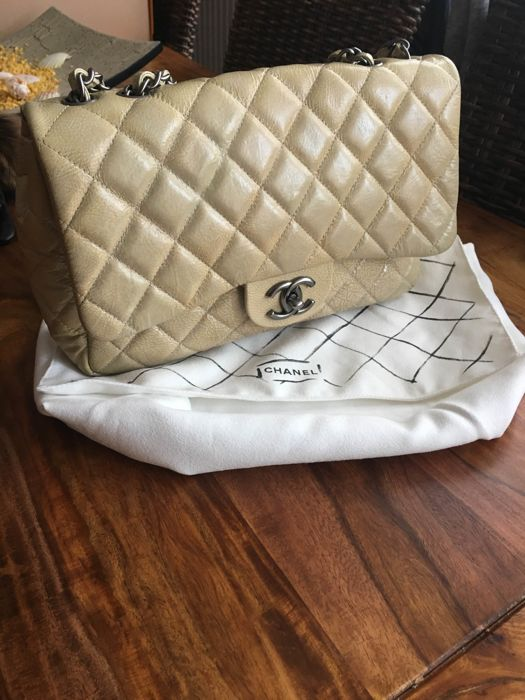 Chanel Quilted Patent Leather JumboTasche
