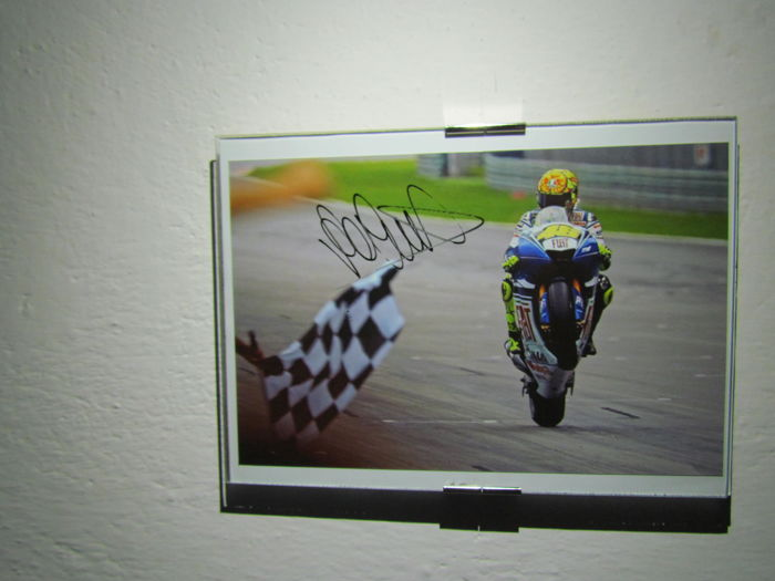 Valentino Rossi autograph on photo