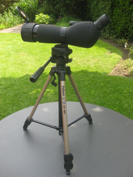 Telescoop: BRESSER Spotting Scope 20-60 x 60 with a small table tripod and a large tripod VELBON CX 460.
