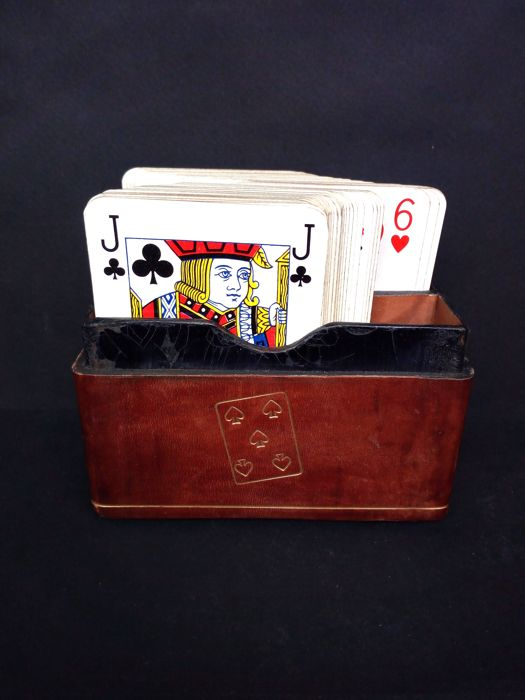 Opere Flottmann - Antique, leather coffer for storing playing cards