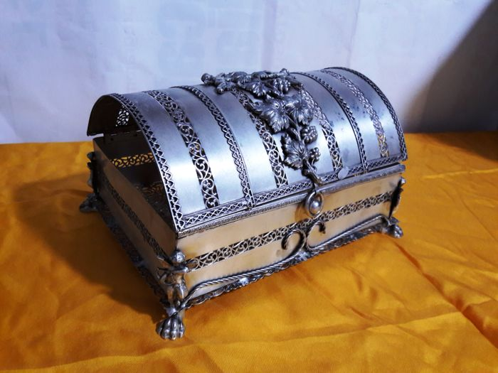 "Silver plated jewellery box - signed ""BUBA"" - 19th century"