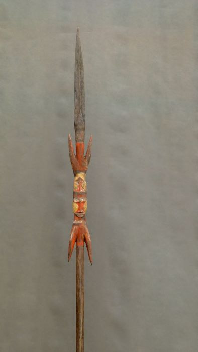 Wooden spear with double faces - MAPRIK - Papua New Guinea