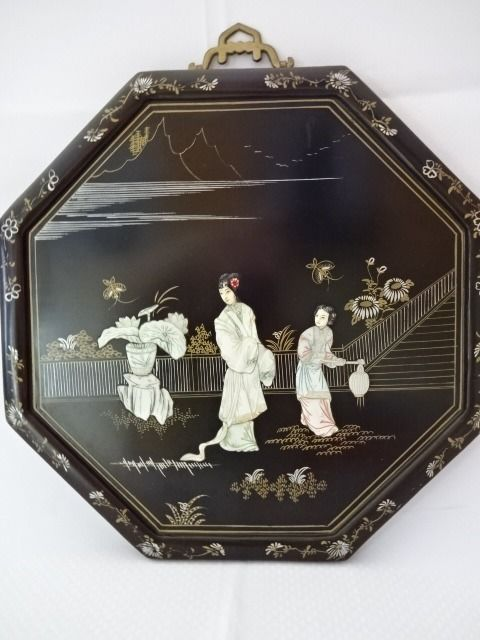 Octagonal varnished wooden panels inlaid with mother of pearl - China - 2nd half 20th century