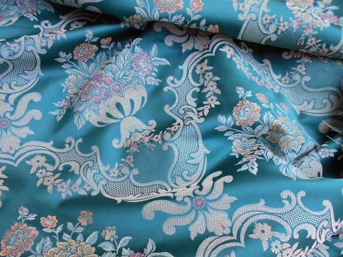 Lot with 6 metres of Jacquard damask fabric in emerald green colour - fabric