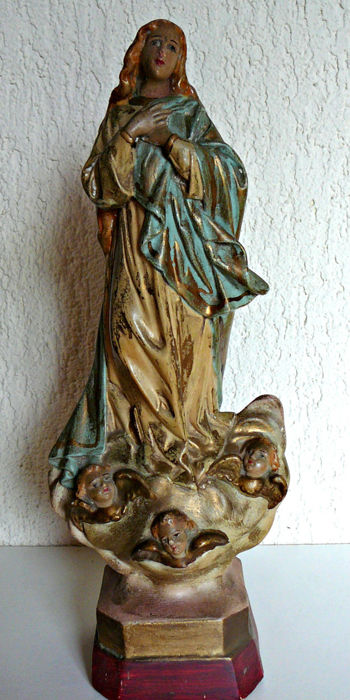 Statue of the Virgin in polychrome plaster - France - second half of the 19th century