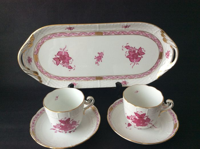 Herend - 2 cups & saucers, serving dish - décor Apponyi Bouquet red