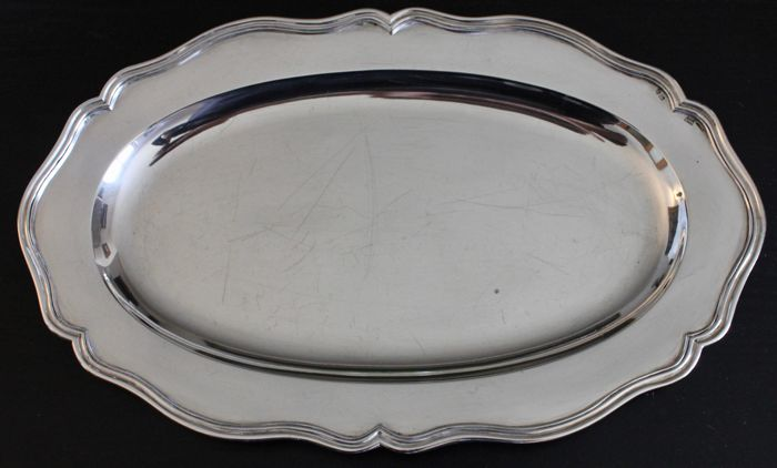 Silver oval serving dish, Aguia do Porto (1938-1984)