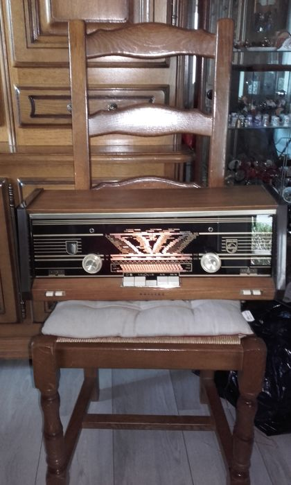 Philips B4X22A / 74 Radio