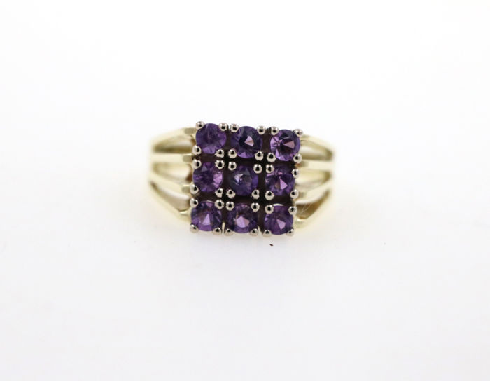 Solid 585 gold ladies' ring with amethysts; Ring size 52