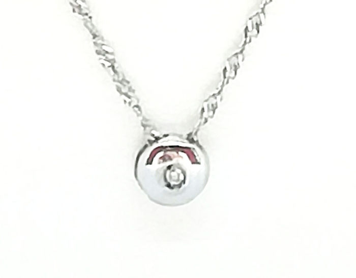 Solitaire pendant necklace in 18 kt white gold with brilliant cut diamond, 0.005 ct colour G/VS, total weight 2.86 g