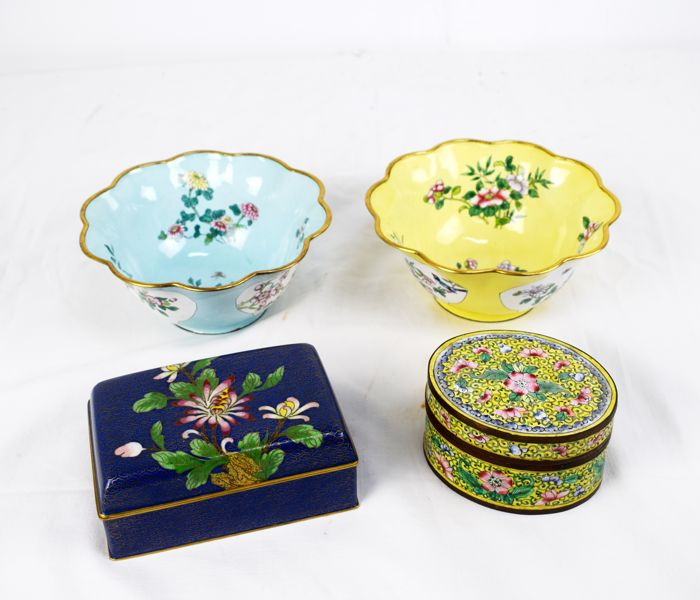 Two bowls, small cloisonné box and enameled copper box - China - second half of 20th century