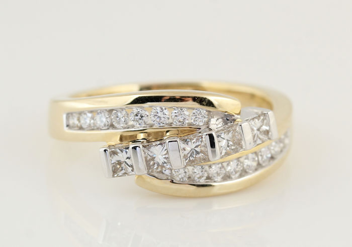 14 kt yellow and white gold diamond ring, in total 0.96 ct & H-I / VS-SI / ring size 57 / weight: 6.00 g