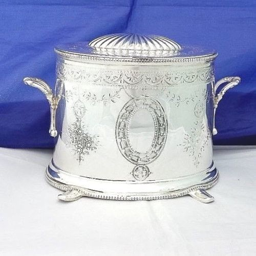 Ancient and large sized Tea Caddy in Victorian style, silver plated by Mappin Brothers 1880