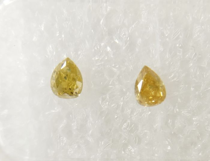 Couple of 2 Pear cut diamond total 0.41 ct Fancy Intense Greenish / Brownish Yellow I1 *** No Reserve ***