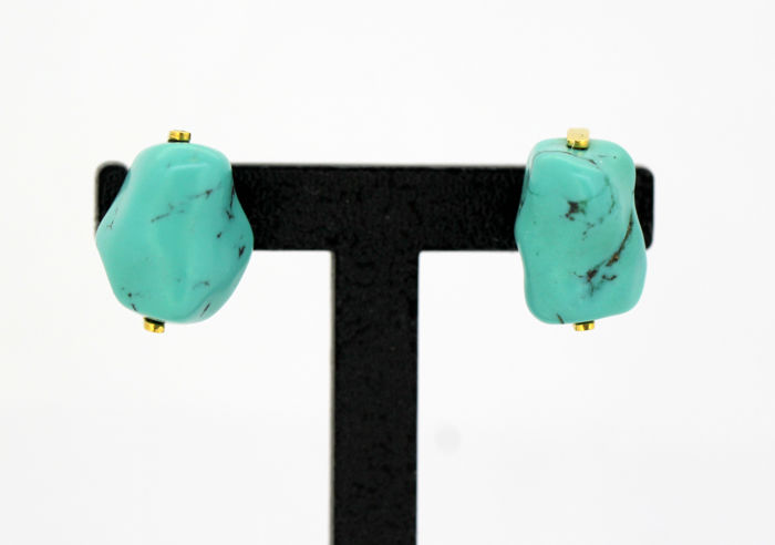 Vintage 18k gold ladies earrings with turquoise, circa.1970's