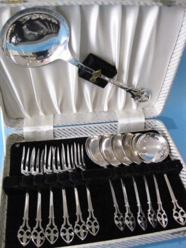 Silver plated Cutlery Set of 13 pieces: spoons and forks for dessert in Art Deco style, plus serving spoon - in its original case