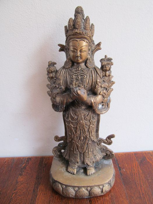 Bronze statue of Guan Yin - China - late 20th century