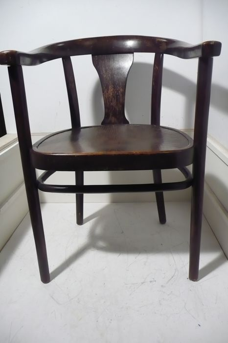 A Thonet Chair With Armrests First Half 20th Century Catawiki