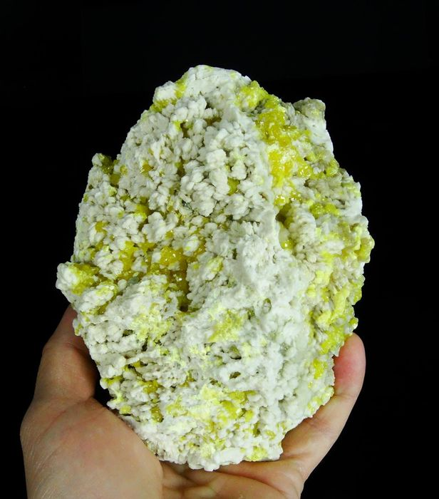 Sulfur and Barite crystals - Museum size specimen - 14.5 x 11.0 x 5.5 cm - 1296 gm