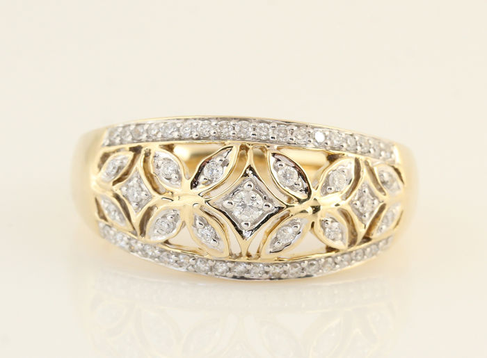14 kt yellow gold diamond ring, 0.30 ct in total, G-H / VS2-SI1 / Ring size: 54.5 / Weight: 5.40 grams