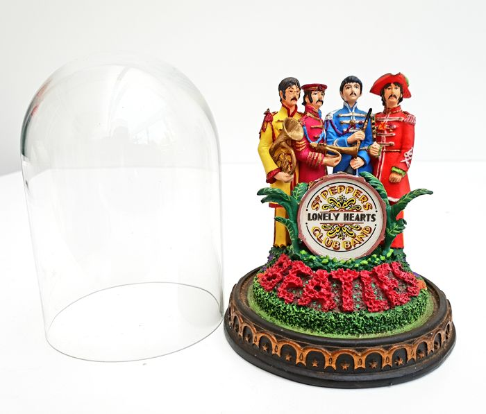 "The Beatles - ""Sgt Pepper's Lonely Hearts"" Music Box Bell Jar"