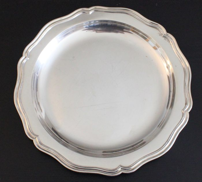 Silver serving dish, Aguia do Porto (1938-1984)