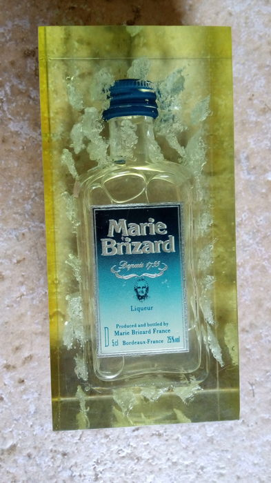 Liqueur Marie Brizard - collector's mini bottle in resin block with frosty effect - Bordeaux, France