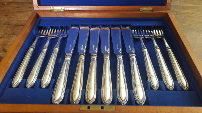 Briddon Brothers luxury case cuttlery - silver plated & silver -second half 20th century - England