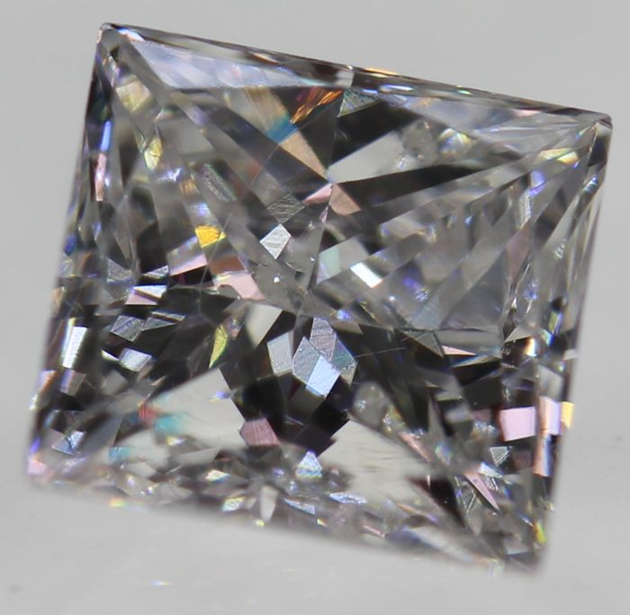 0.50 ct, color: D (colourless), SI1, princess diamond, European seller