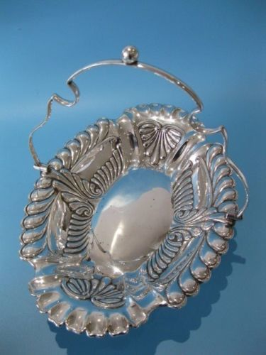 Silver plated centrepiece basket, decorated with an openwork - ca. 1919