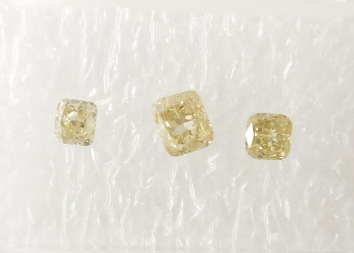 Triple of 3 Cushion cut diamonds total 0.48 ct Fancy Light to Fancy Brownish Yellow SI *** No Reserve ***