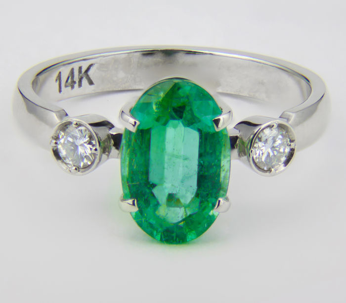 Certified 2.27 ct. Emerald And Diamonds White Gold Ring.