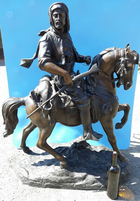 "Following the example of the original by Barye Fils - bronze statue ""Cacciatore su cavallo"" - 20th century - France - height 105 cm"