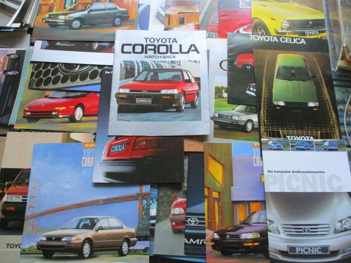 Brochures/ Catalogues - Toyota/Toyota USA - 1975-2000 (35 items)