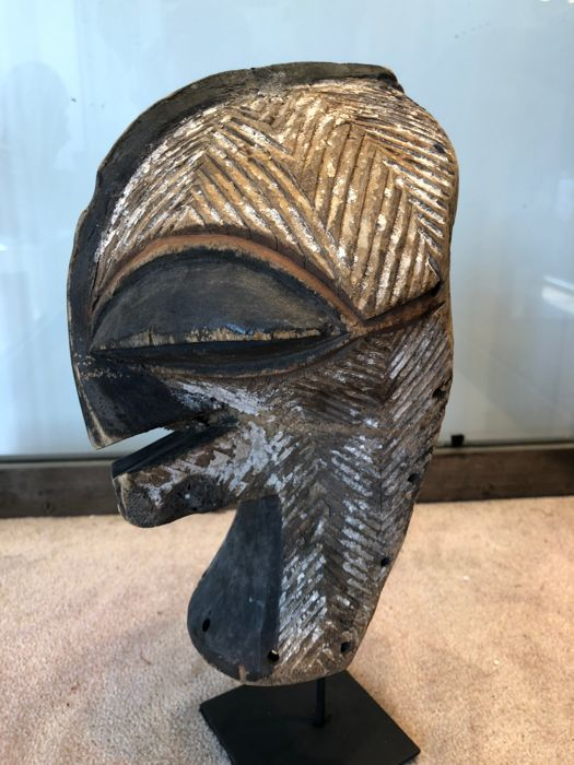 Very nice wooden passport Mask - SONGYE - Former Belgian Congo