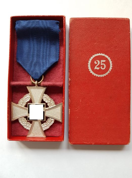 cased 25 year faithful service medal