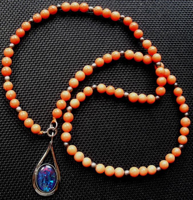Antique Mediterranean salmon coral necklace not colour-treated Sterling silver, with opal pendant - 19.3 grams