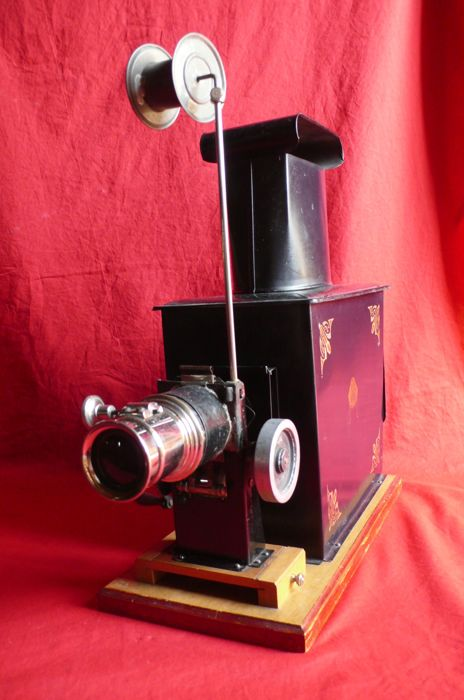 Magic projection lantern - France - early 20th.