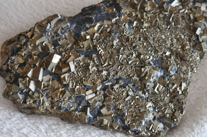 Iron Pyrite crystals on Slate 18 x 13 x 2 cm 1495 g