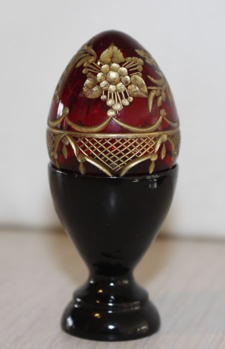 Poccnr Russia Red Crystal Egg - 24k gold