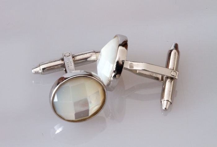 White gold and briolette cut mother of pearl cufflinks