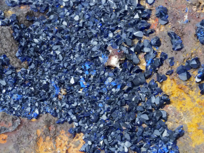Dark blue Azurite Crystals on Matrix from the Imeni XIX Parts'ezda deposit - 12 x 10 x 6 cm - 653 gram