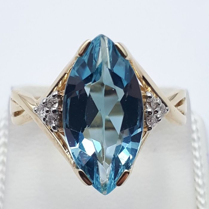 14 ct Red Gold Ring With Diamond and Blue Topaz, Ring size:18mm (Free re-sizing)