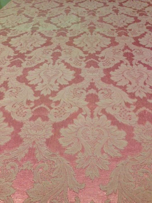 ml. 3.64 - antique and high quality San Leucio damask silk blend. Colour: empire pink