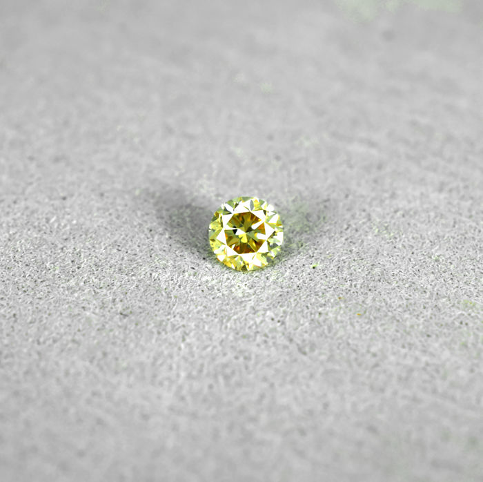 Natural Fancy brownish Yellow Diamond - 0.22 ct, NO RESERVE PRICE