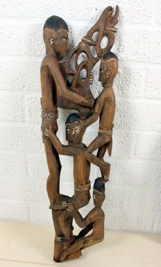 "African wood carving ""people pyramide"""