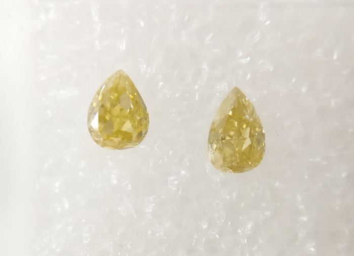Couple of 2 Pear cut diamond total 0.53 ct Fancy Greenish / Brownish Yellow SI-I1 *** No Reserve ***
